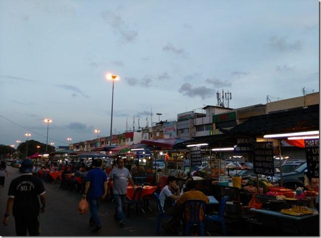 01_thumb8 Johor bahru-新山大豐花園 馬來粥/馬來漢堡 好料果真都在路邊攤
