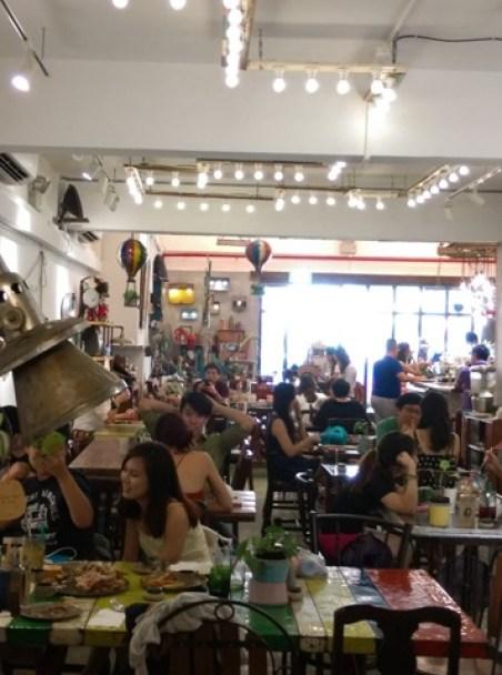 AEIOU11 Singapore-AEIOU 叮叮噹噹充滿手創鐵件木作特色咖啡廳