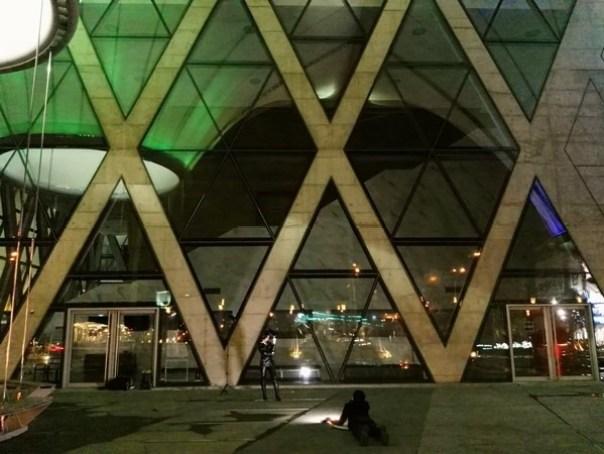 111104 鳳山-大東文化藝術中心 大漏斗造型點上燈更吸睛