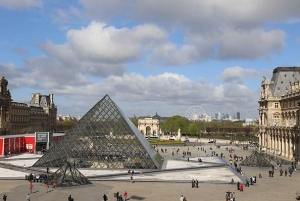 11111001 Paris-巴黎羅浮宮Musee du Louvre 藝術殿堂眼花撩亂看不完 一馬當先看蒙娜麗莎