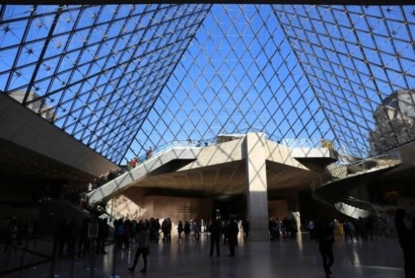 11111006 Paris-巴黎羅浮宮Musee du Louvre 藝術殿堂眼花撩亂看不完 一馬當先看蒙娜麗莎