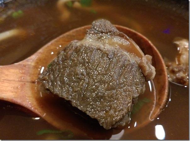 11_thumb1 竹北-劉家酸白菜火鍋不吃鍋之牛肉麵很不賴