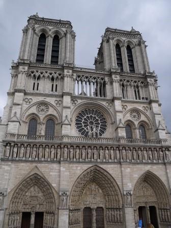 1375189932-3281118370-e1438731735803 Paris-走馬看花 香榭麗舍大道/凱旋門/聖母院/羅浮宮/塞納河