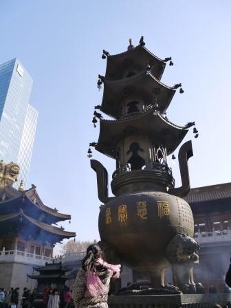 1358695654-2692556820-e1439307679781 Shanghai-靜安寺 精華區中的寺廟