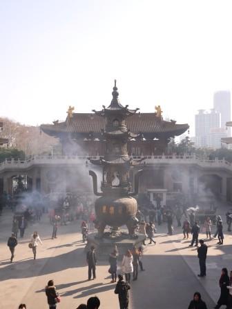 1358695655-1792769787-e1439307655228 Shanghai-靜安寺 精華區中的寺廟