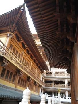 1358695665-592595267-e1439307443723 Shanghai-靜安寺 精華區中的寺廟