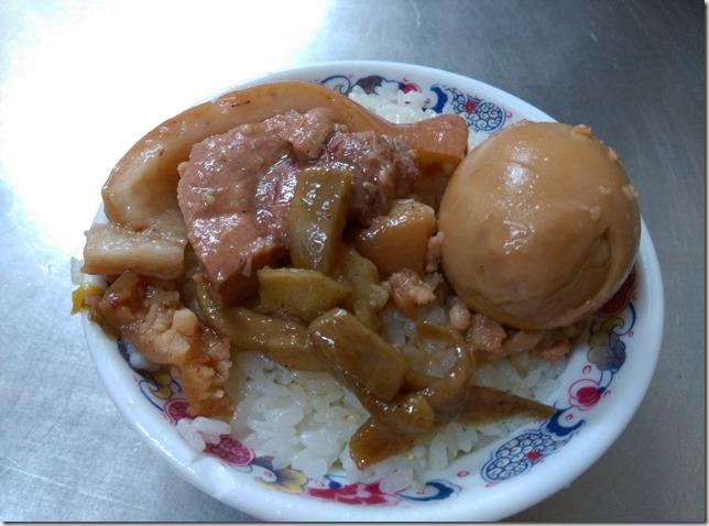 09_thumb7 彰化-老朱爌肉飯 滿滿膠原蛋白啊!