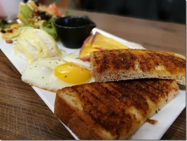 fongman16_thumb 中壢-豐滿 總匯三明治 簡單輕鬆來吃早餐吧