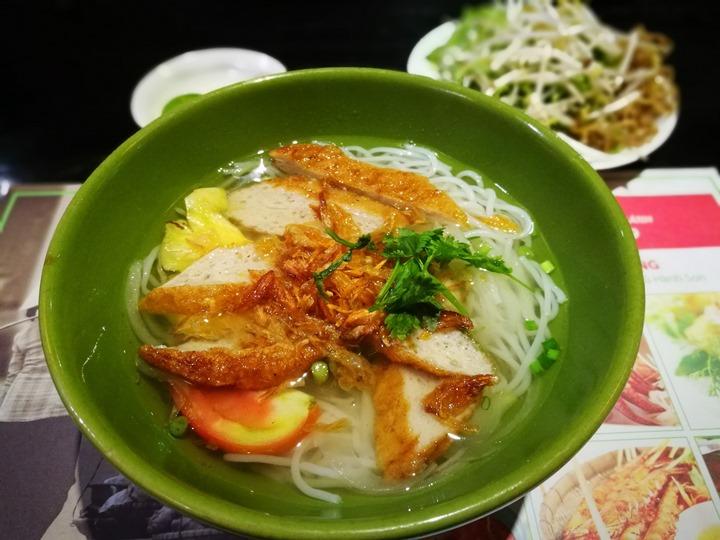 ganh08 HoChiMinh-Gánh胡志明正宗越南餐廳 燈光美氣氛佳食物普通而已 哈