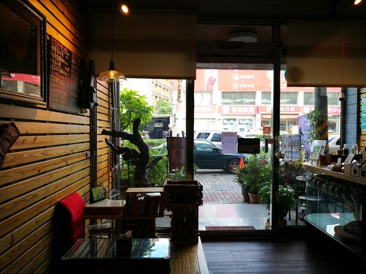 Joliehocafe03 中壢-養親轅 中藥房?咖啡廳...中式外觀裝著咖啡魂