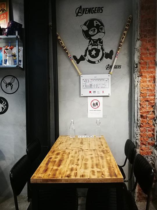 twoha13 桃園-二哈咖啡 小巷內超級英雄陪你一起喝咖啡