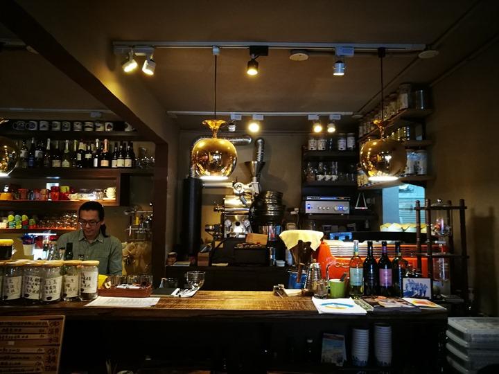 dousuncoffee03 松山-左先生咖啡館 一杯咖啡香一首好音樂