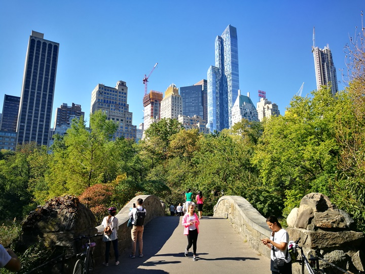 centralpark47 New York-果真大蘋果之紐約真好玩 中央公園 躺著曬太陽也愜意的好所在