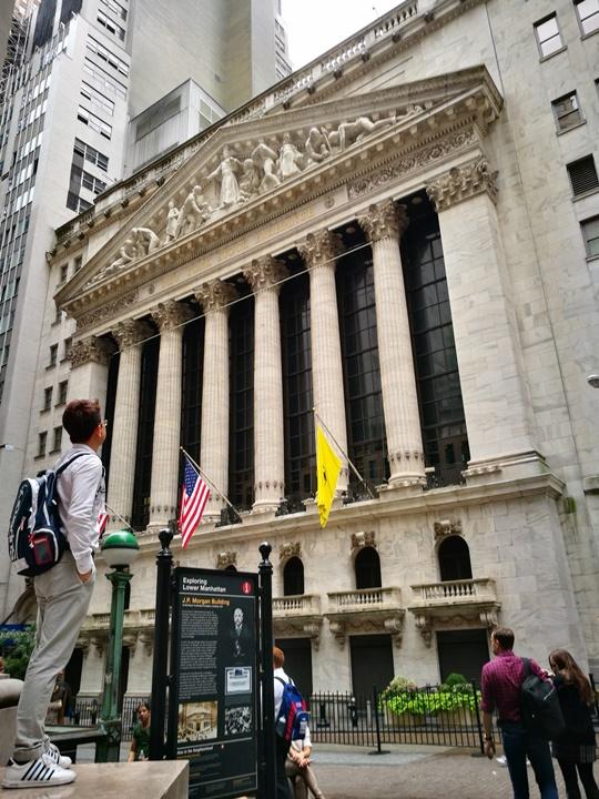 wallstreet2304 New York-紐約真好玩之華爾街的金融遊戲/帶領股市向上的金牛/無所謂的無畏女孩