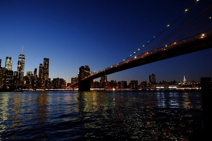 dumboview01 New York-果真大蘋果之紐約真好玩 布魯克林橋下 網紅聖地Dumbo&渡船碼頭賞曼哈頓夜景