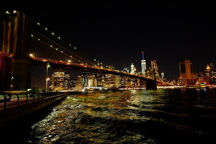 dumboview19 New York-果真大蘋果之紐約真好玩 布魯克林橋下 網紅聖地Dumbo&渡船碼頭賞曼哈頓夜景