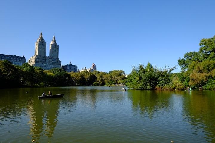 22centralparkk0108 New York-果真大蘋果之紐約真好玩 中央公園 躺著曬太陽也愜意的好所在