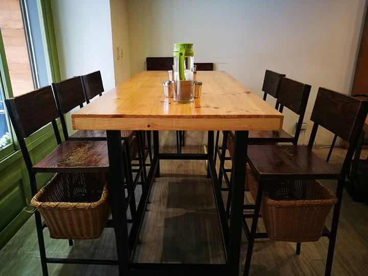 tuktuk05 中壢-圖圖咖啡館 嘟嘟車坐鎮 泰式風味咖啡館