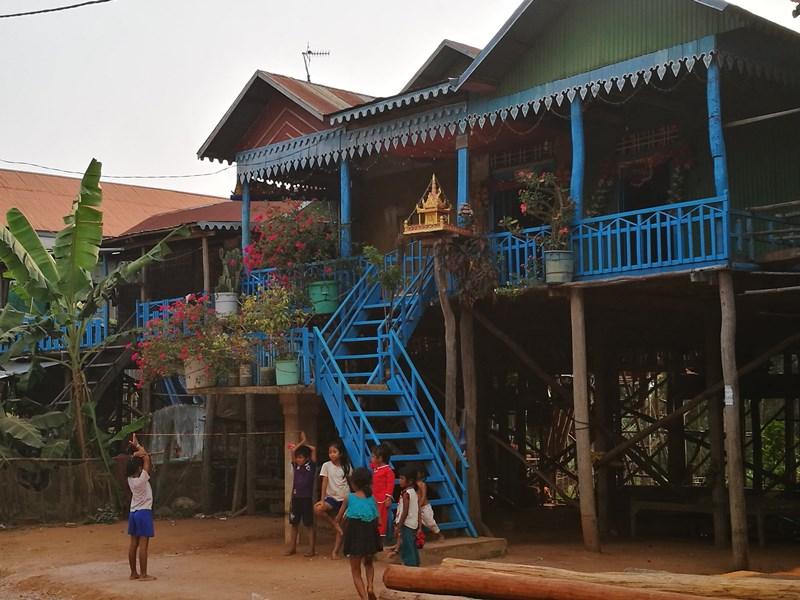 tonlesap12 Siem Reap-Tonle Sap洞里薩湖 柬埔寨的魚米鄉 落後環境中的知足生活