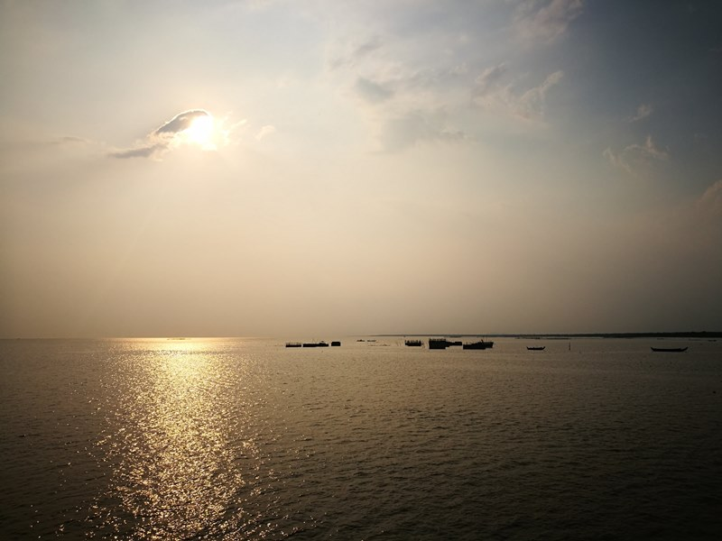 tonlesap28 Siem Reap-Tonle Sap洞里薩湖 柬埔寨的魚米鄉 落後環境中的知足生活
