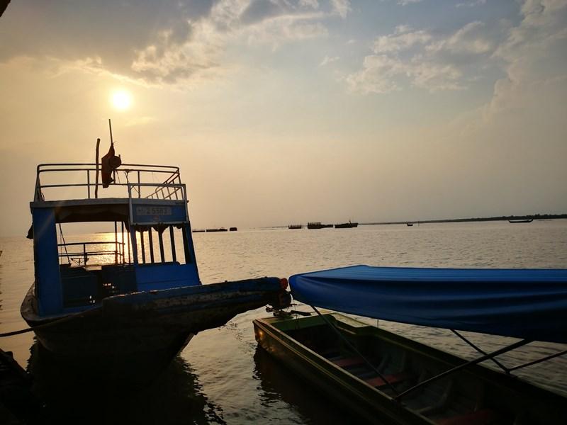 tonlesap33 Siem Reap-Tonle Sap洞里薩湖 柬埔寨的魚米鄉 落後環境中的知足生活