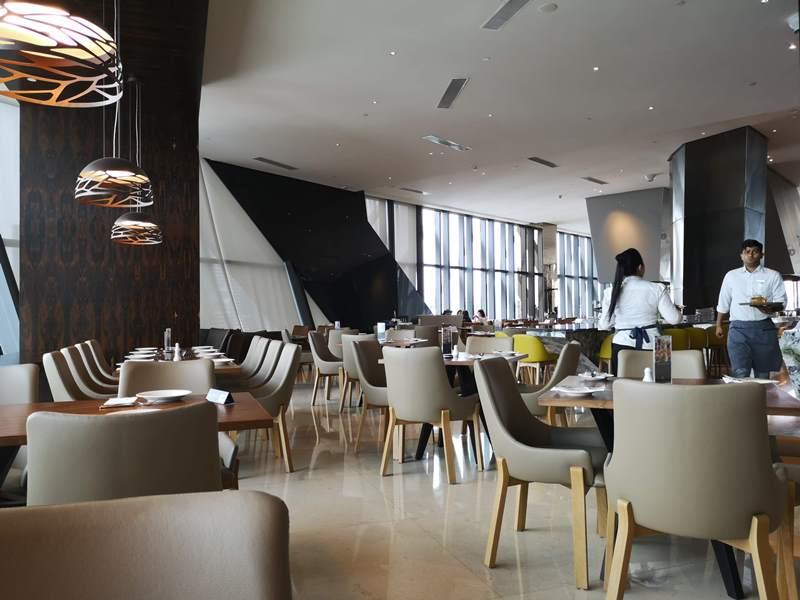 ElementKL13 Kuala Lumpur-吉隆坡Element by Westin簡單大方木質舒適飯店 升套房真開心