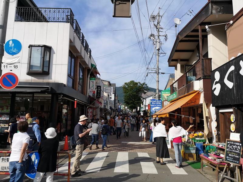 ginzatori Karuizawa-舊輕井澤銀座通 必買伴手禮沢屋果醬&必吃噴水香腸腸詰屋