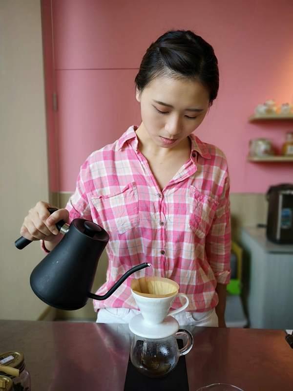 liscafe15 桃園-Li's 俐思咖啡 滿滿粉紅泡泡的北歐風咖啡管 手沖推廣台灣豆 好喝