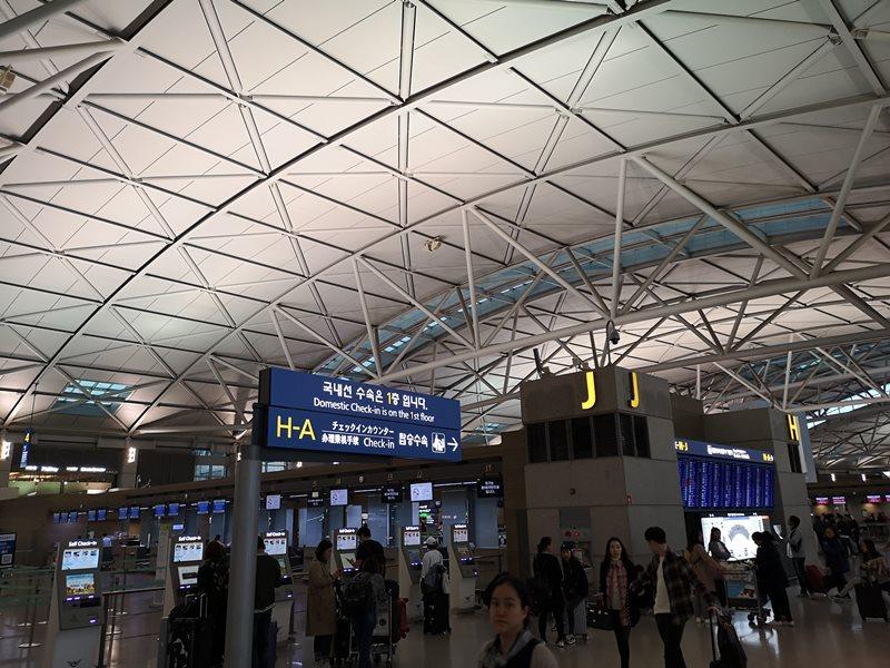 flyci16326 201810韓亞航倫敦首爾轉台北 飛機delay改班機行李遲延 什麼都遇到了...