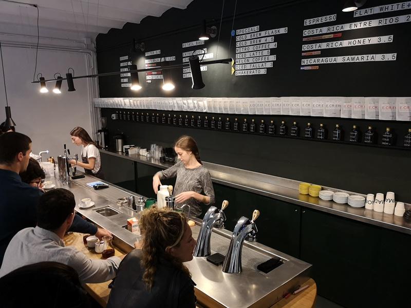 nomad03 Barcelona-巴塞隆納Nomad Coffee Lab & Shop美女執壺 好看也好喝