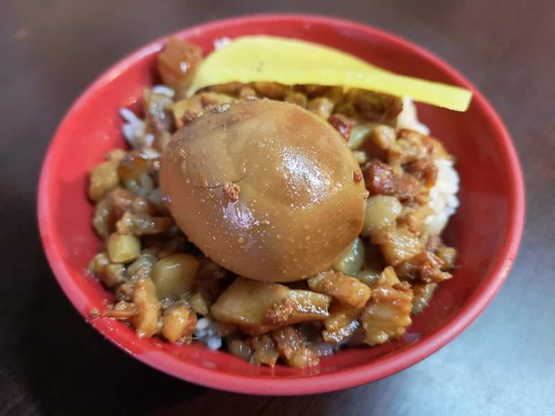 Yfu6 新竹-阿富魯肉飯 香甜可口的傳統味道