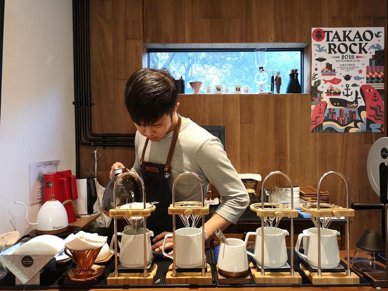 artisan19 前金-Artisan Cafe美森咖啡 手沖搭甜點輕鬆自在