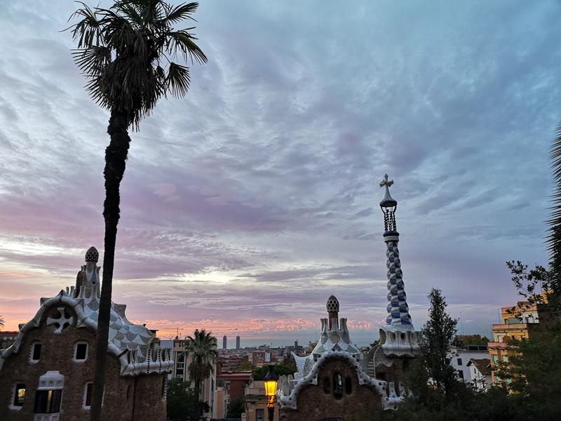 guellparkk02 Barcelona-巴塞隆納世界文化遺產  高第建築奎爾公園馬賽克蜥蜴太吸睛