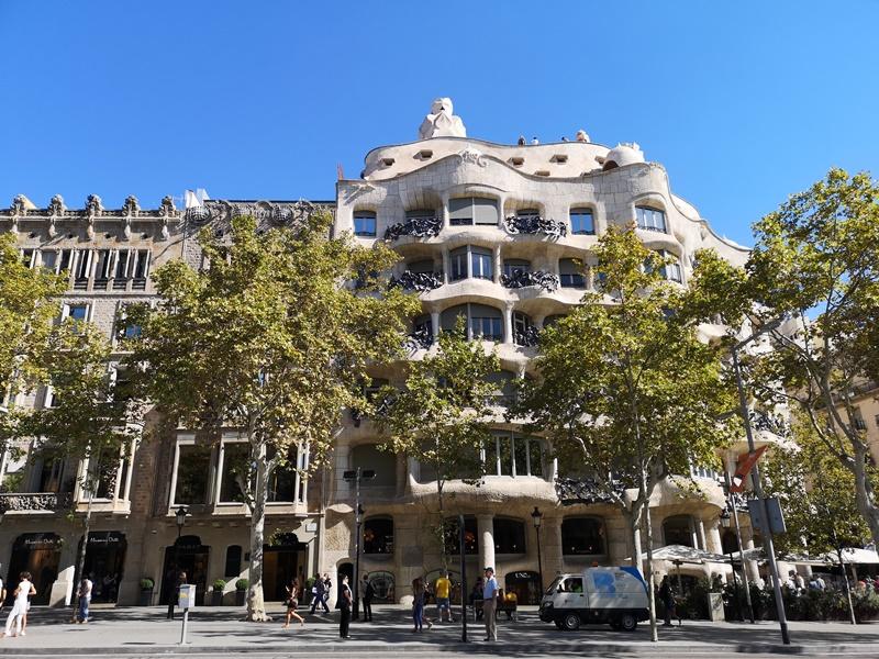 casamila02 Barcelona-巴塞隆納世界文化遺產 高第建築米拉之家 來自外星的設計
