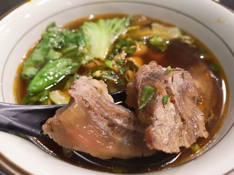 fengming4 竹北-鳳鳴春牛肉麵 肉質軟嫩好吃