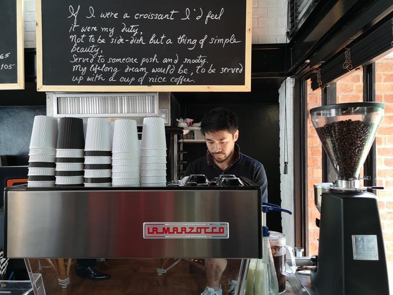 kenncafe05 Bangkok-曼谷金融區Chong Nonsi小店Kenn's Cafe香鬆可頌濃郁咖啡 美味的早茶