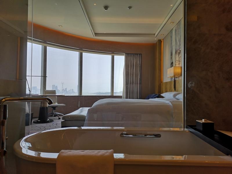 xiamenmarriott34 Xiamen-廈門泰地萬豪酒店 乾淨的發亮的窗戶與地板...新的就是好