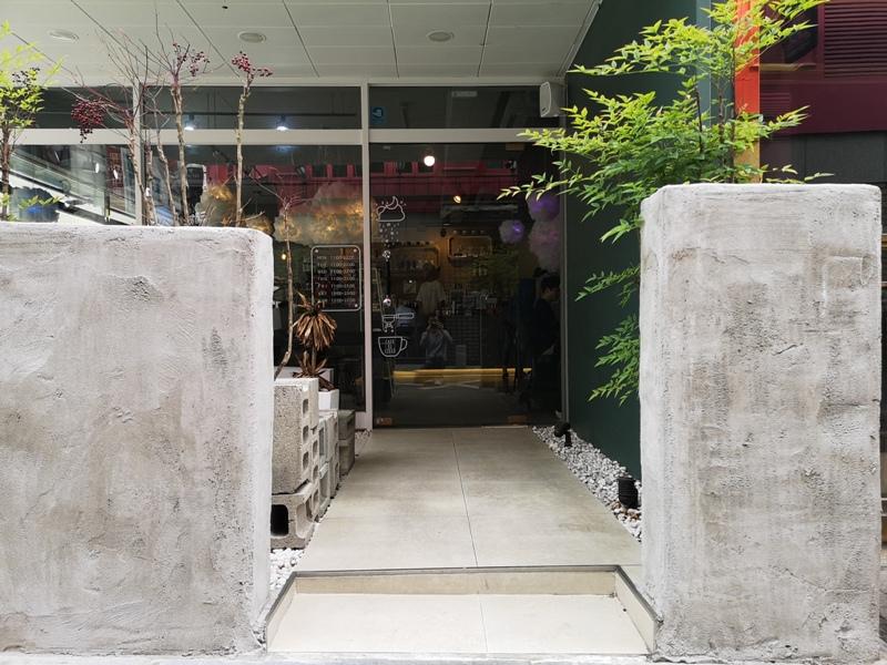 cafeel04 Seoul-Cafe El Cielo 男模幫你沖咖啡 首爾新沙洞時尚夢幻咖啡館