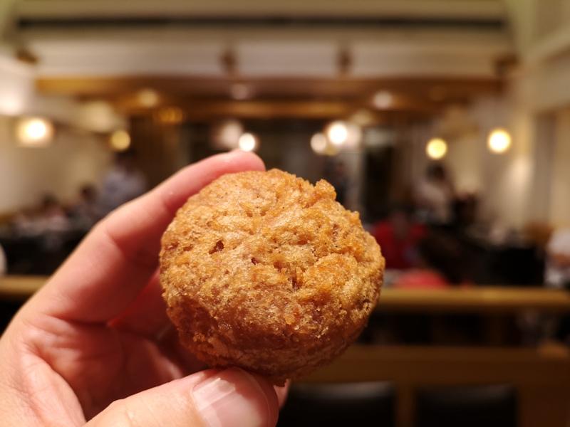 liuyuzi12 中山-劉芋仔 蛋黃芋餅香酥芋丸 米其林必比登推薦 人龍等待的芋頭小點