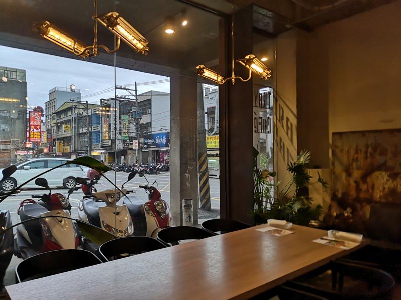travelercafe11 楊梅-旅人咖啡 好不平凡的平凡老房子工業風