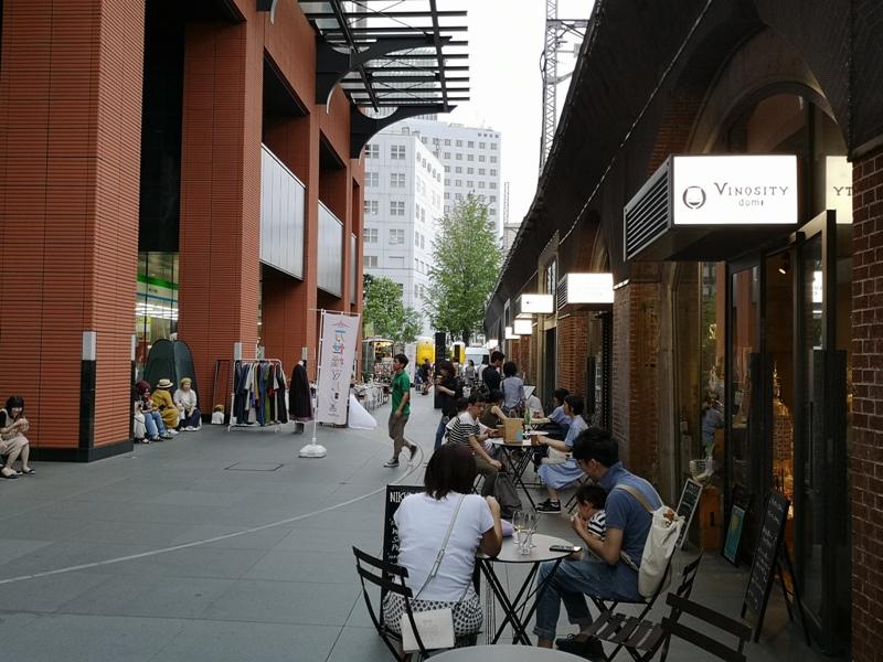 bluebottlemansei110104 Kanda-Blue Bottle 神田萬世橋店 喝咖啡感受電車轟隆轟隆的臨場感