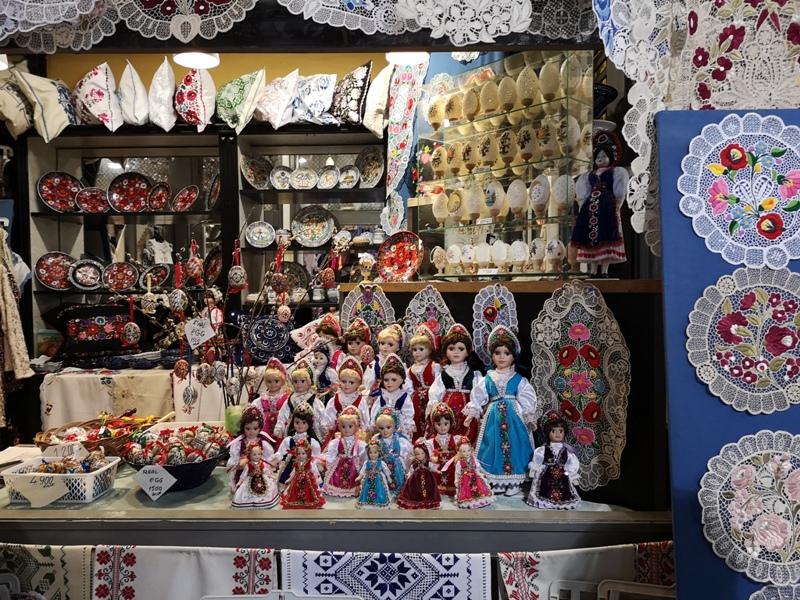 budapestcentralmarket21 Budapest-本地人的菜市場 觀光客的遊樂場 布達佩斯的中央市場Nagy Vásárcsarnok(Central Market)