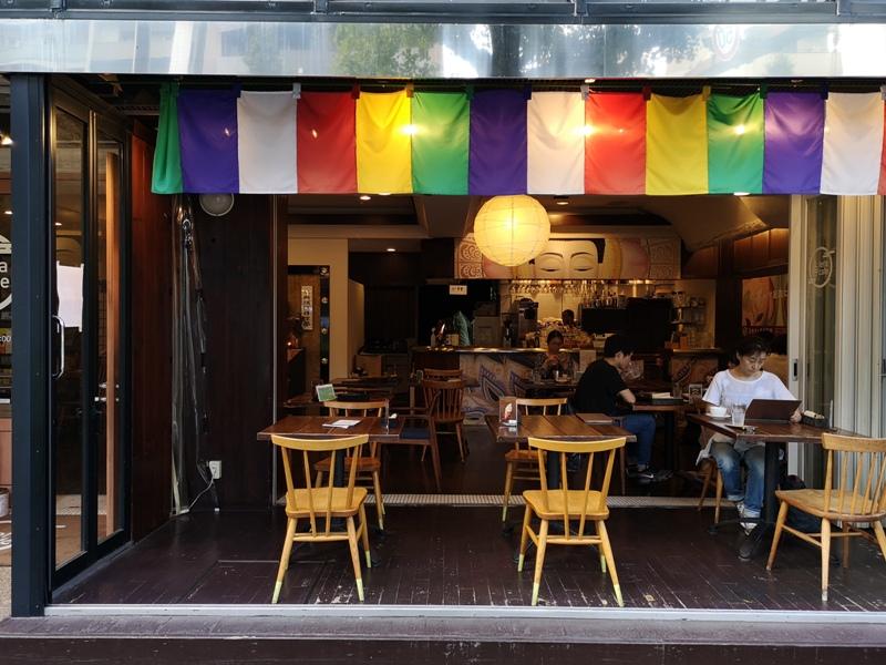 teracafe03 Daikanyama-代官山Tera Cafe幡旗彩虹風 和尚坐鎮另類風格咖啡館