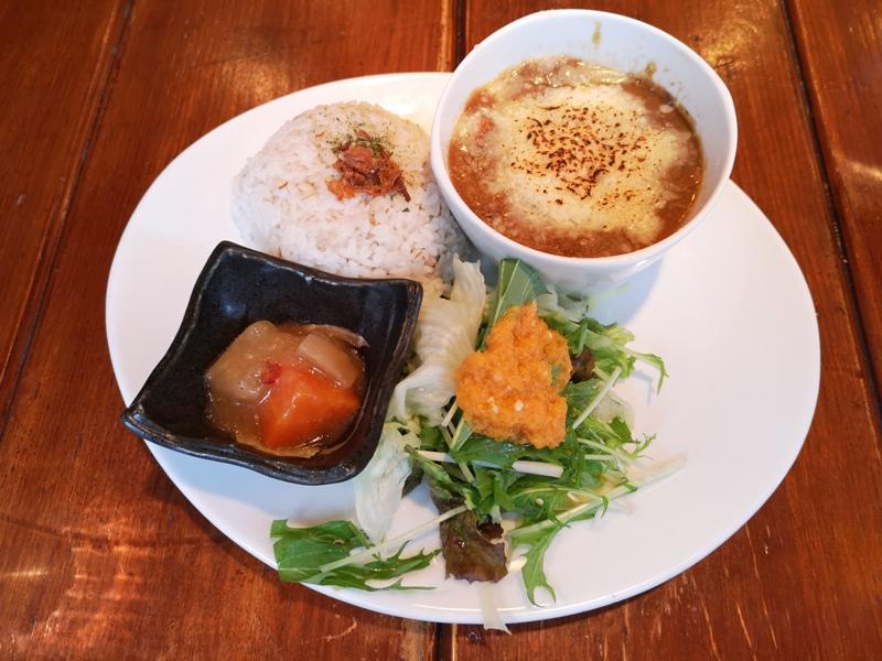 teracafe09 Daikanyama-代官山Tera Cafe幡旗彩虹風 和尚坐鎮另類風格咖啡館