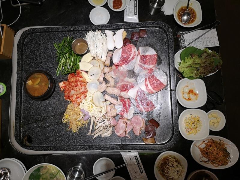 KoreaBBQ05 Seoul-濟州大石板烤五花肉店 首爾樂天世界旁傳統烤肉五花肉彈韓牛嫩