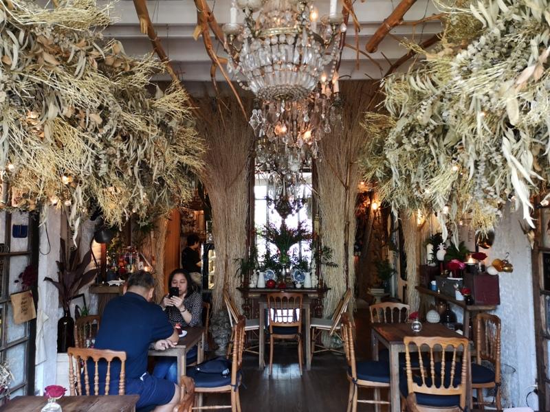 floralcafebkk170111 Bangkok-Floral Cafe at Napasorn曼谷花市旁滿滿花香古物的咖啡館