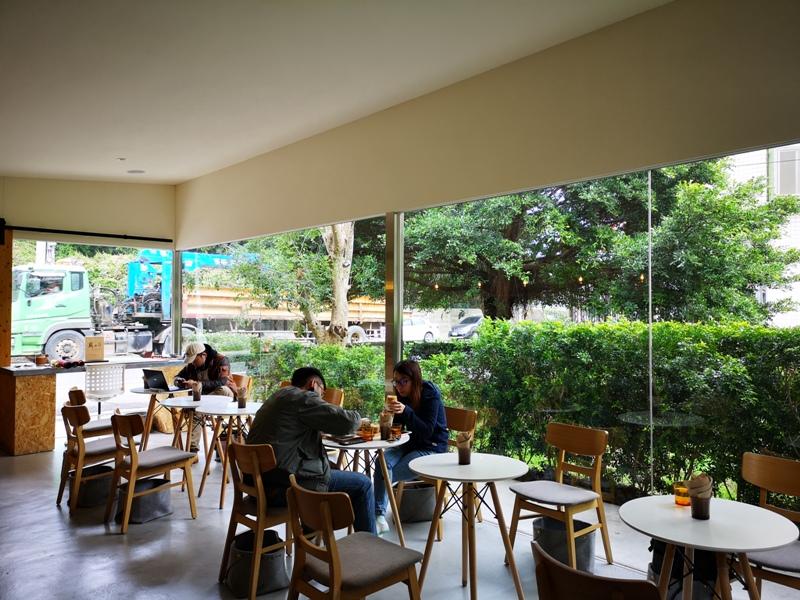 zhaicoffee12 竹北-宅咖啡過日子 滿室綠意玻璃屋概念