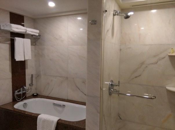 MO12 Singapore-Mandarin Oriental乾淨簡單商務五星級