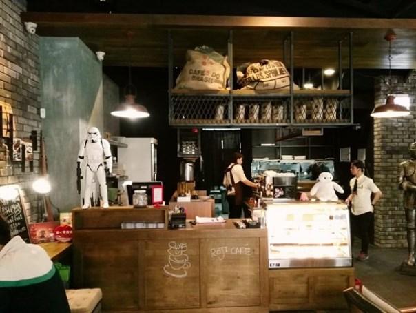 cafe03 苓雅-麓琦咖啡道館 科技工業風當道 愛因斯坦也坐鎮