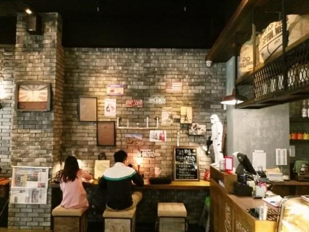 cafe06 苓雅-麓琦咖啡道館 科技工業風當道 愛因斯坦也坐鎮